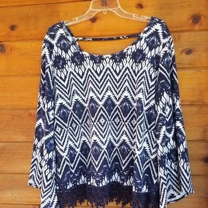 ROZ & ALI BELL SLEEBE BOHO TOP SIZE LARGE.